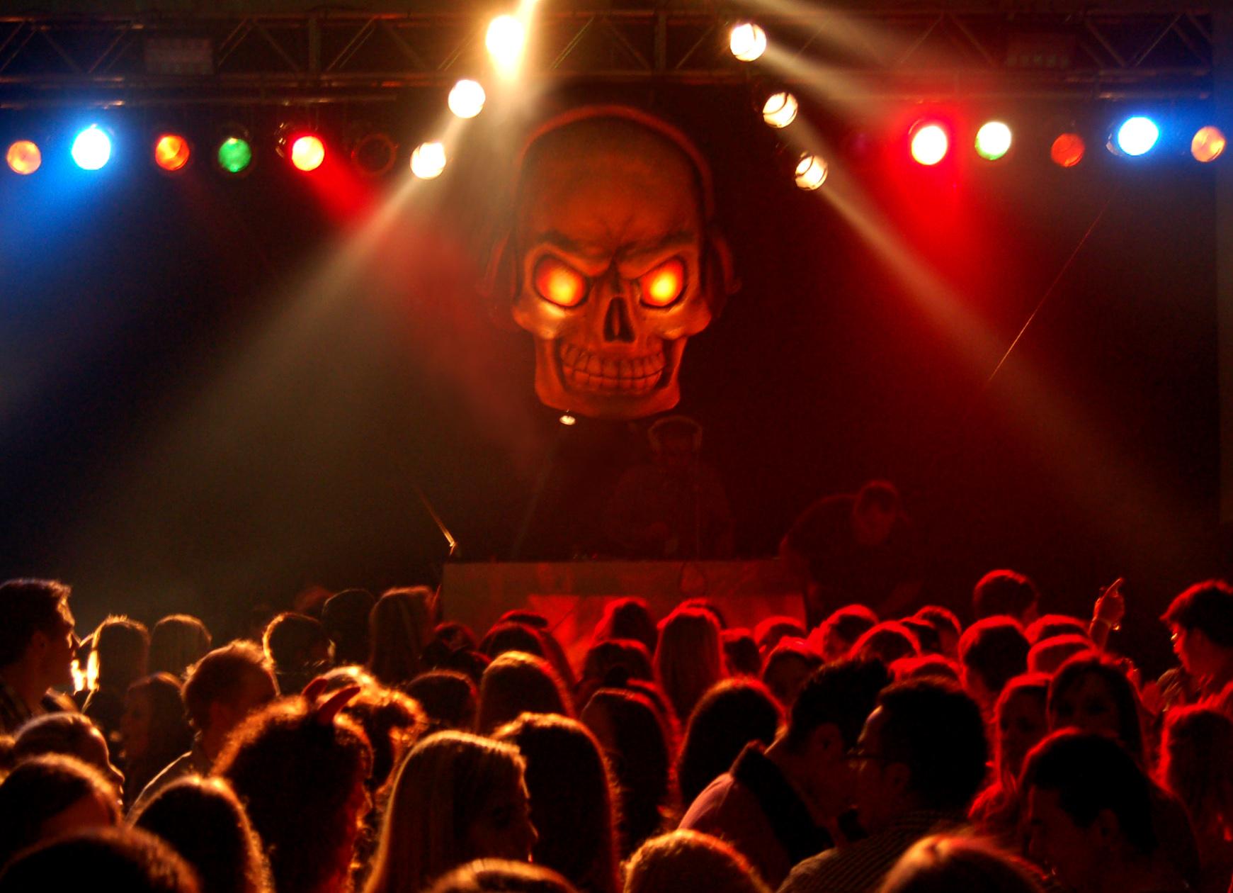 Halloween Deko Selber Machen Fur Drausen : halloween deko mieten ...